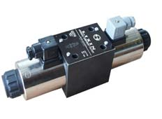 3X WE10 series Wet Type Solenoid Directional Valve