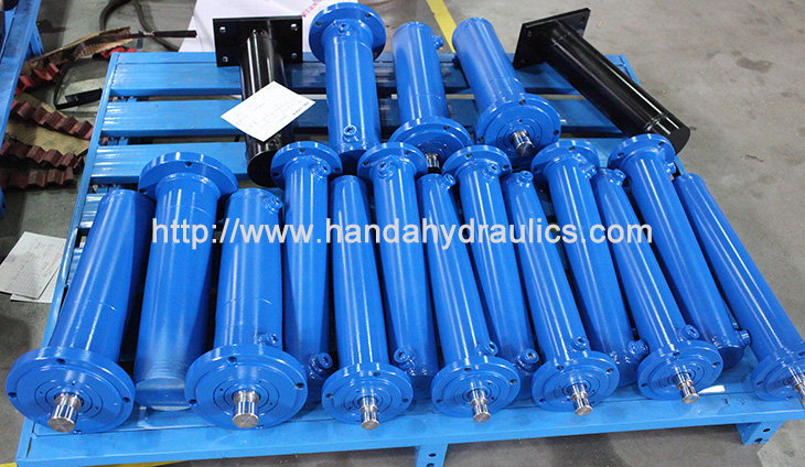 Small Round Hydraulic Cylinder Picture
